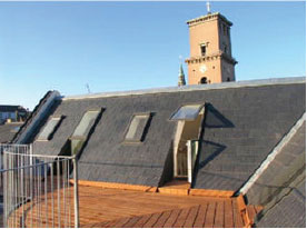 Skindergade - ny etage med ovenlysvinduer og udgang til en stor terrasse